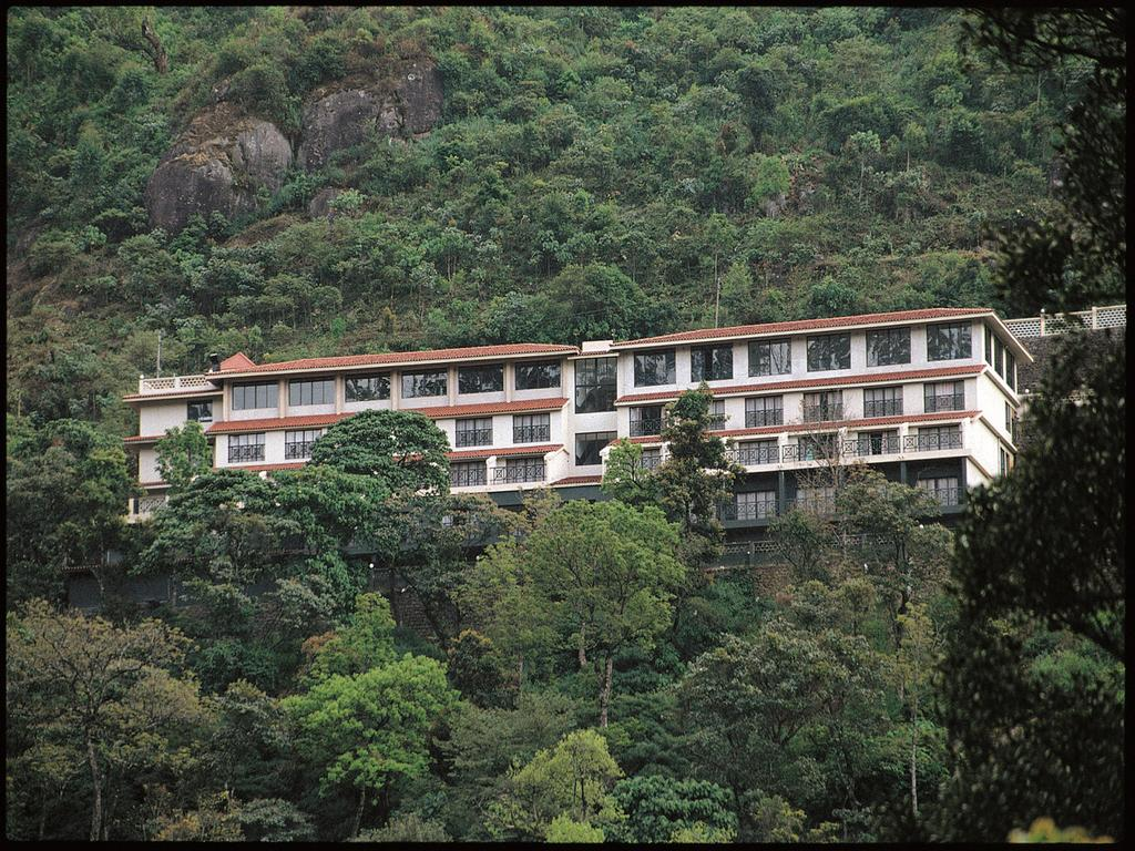 Bellmount resorts munnar rooms rates photos reviews for Castle haven cabins