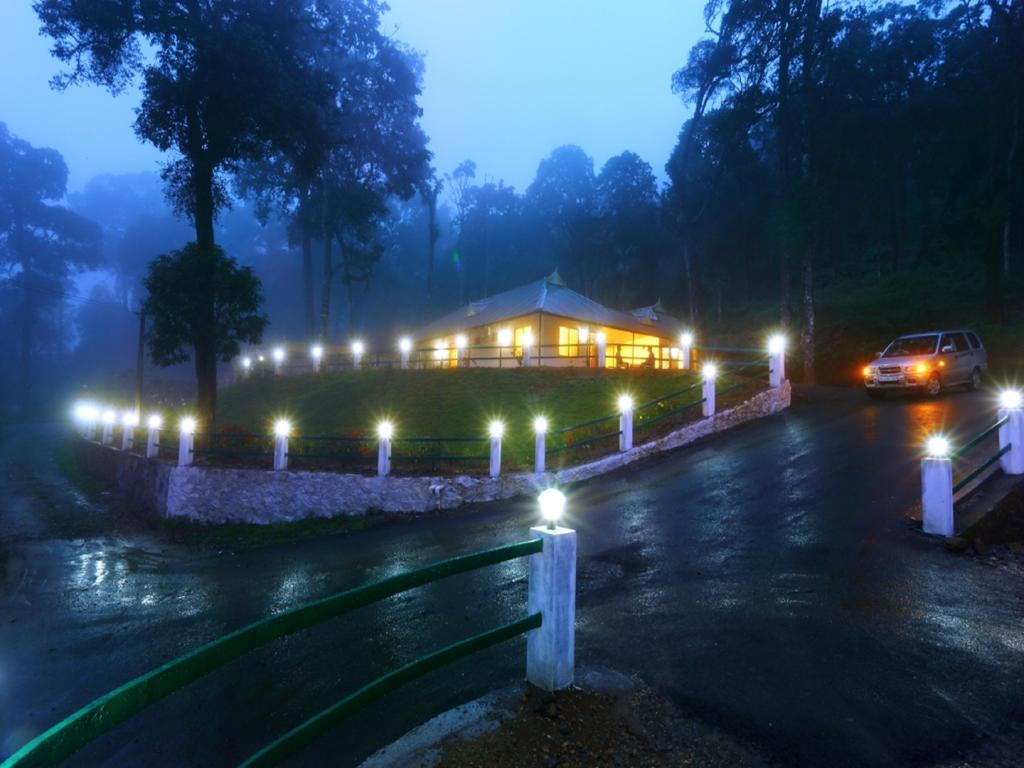 OYO Rooms in Munnar, Video, Reviews, Photos, Compare Price
